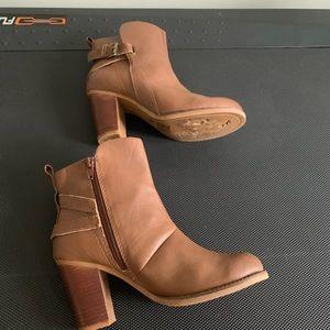 Call it Spring Minimalist Ankle Chuncky Heel Boot